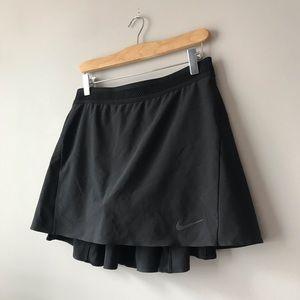 Nike sleek black skort skirt
